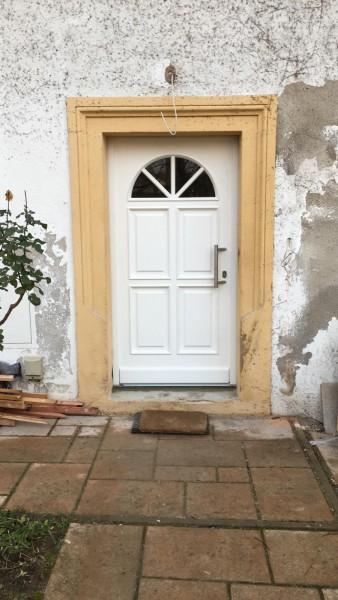 Holz-Haustuer-Gabriela-Weiss